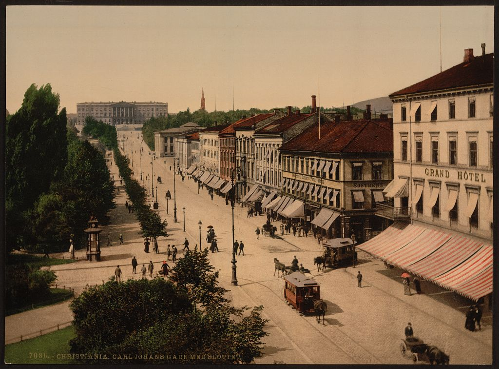 Slottet_og_Karl_Johans_gate-foto_Library_of_Congress.jpg