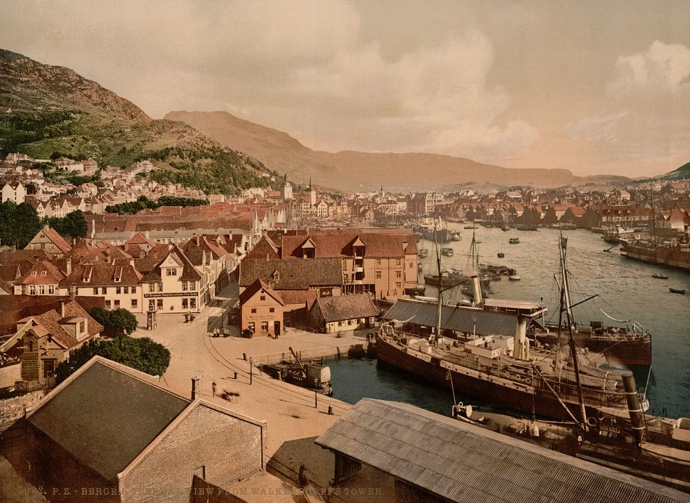 General_view_from_Walkendorffs_Tower_Bergen_Norway.jpg