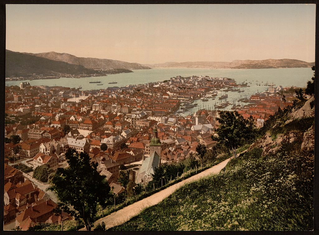 General_view_from_Fjeldveien_Bergen_Norway.jpg